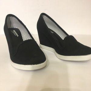 8b70501f60689 Arizona Jean Company Shoes - JC Penny Arizona Wedges Black White Canvas  Size 7M